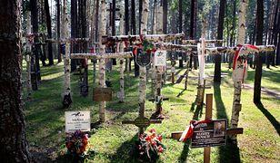 Miednoje. Rosjanie chcą rozpocząć masowe ekshumacje grobów
