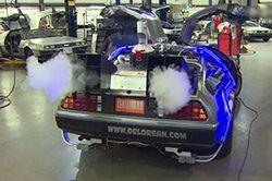 Wehikuł czasu na czterech kołach, czyli DeLorean dla fanów kina
