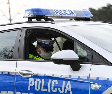 Wadowice Górne. Jechał autem, mając 3 promile i zakaz prowadzenia pojazdów. Przewoził granat