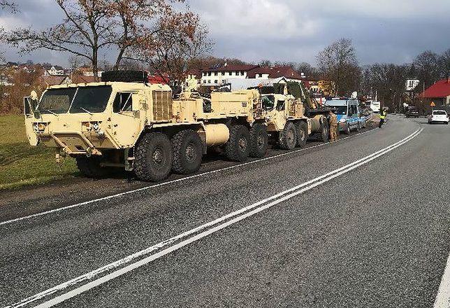 Wozy stoją między Brzeskiem a Nowym Sączem.