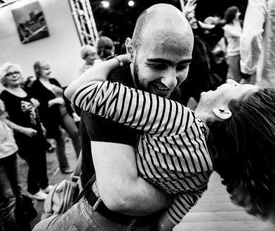 """Warszawiacy kochają bigbit! Tłumy podczas sobotniego """"Dancingu 60-lecia"""""""