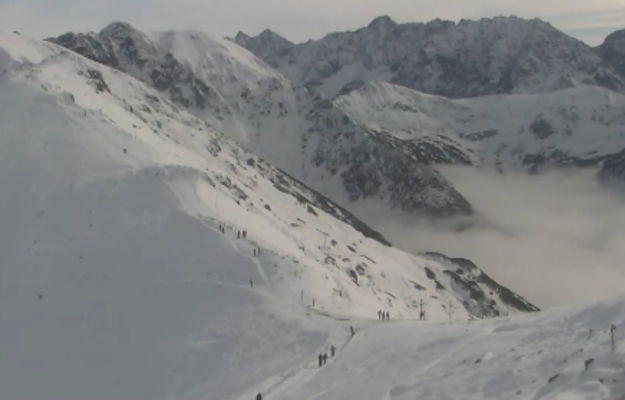 Śnieg na Podhalu - pierwsi narciarze i problemy z elektrycznością