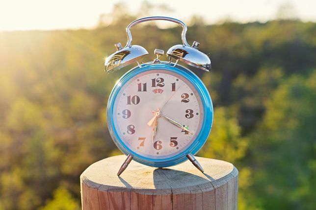 Zmiana czasu 2019 - od kiedy obowiązuje czas letni? Tym razem będziemy spać dłużej czy krócej?