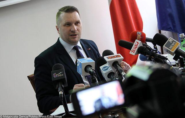 """Wojewoda lubelski Przemysław Czarnek nagrodził samorządy """"wolne od LGBT"""""""