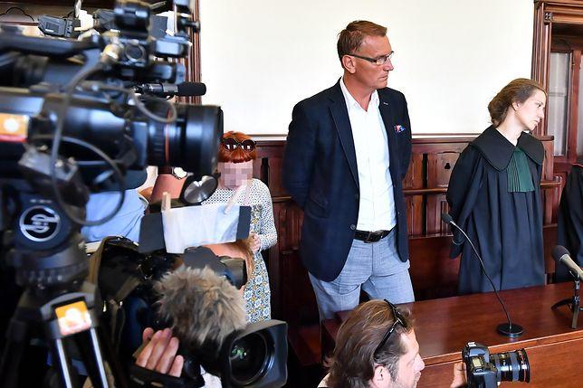 Ojciec Igora Stachowiaka, Maciej Stachowiak podczas ogłoszenia wyroku w Sądzie Rejonowym we Wrocławiu