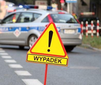 Warszawa. Zderzenie samochodów. Jeden należał do Tramwajów Warszawskich