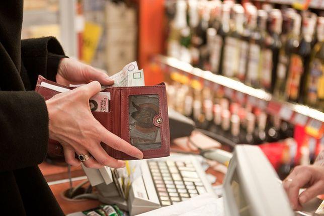 W portfelach będziemy mieć więcej, ale też więcej zapłacimy w kasie