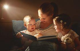 Bajki na dobranoc – dlaczego warto czytać bajki, wieczorny rytuał