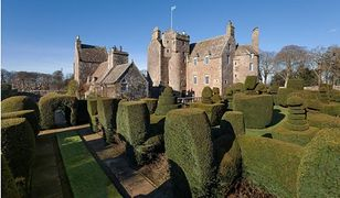Możesz zamieszkać w zamku królowej Marii Stuart. Wystawiono go na sprzedaż