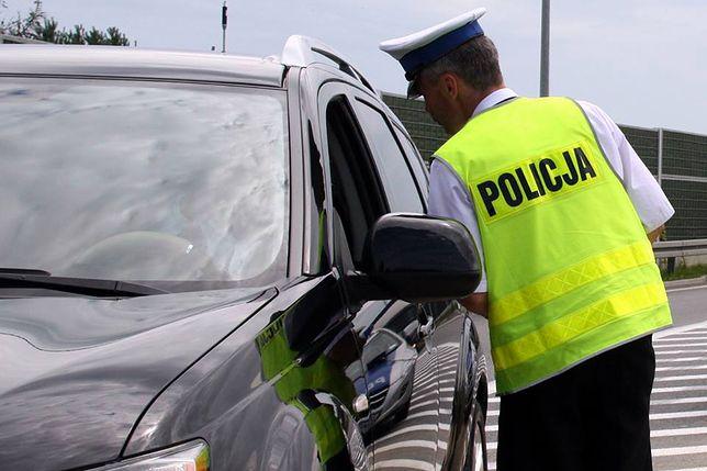 """TVN chciał od policji pieniędzy za przesłanie nagrania pirata drogowego. Tłumaczy, że to wymaga """"dodatkowej pracy"""""""