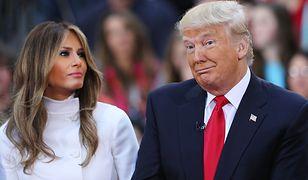 Donald Trump popełnił gafę. Powinien wziąć przykład ze swojej żony Melanii