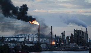 USA. Wielki pożar w południowej Filadelfii. Płonie rafineria, seria eksplozji