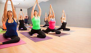 Joga wzmacnia mięśnie i pozwala się wyciszyć