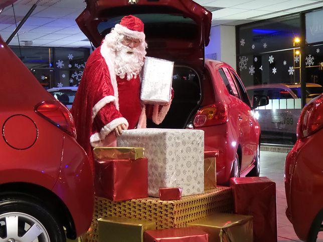 Nie tylko Mikołaje i Śnieżynki. Przed świętami potrzebni pracownicy