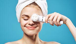 Idealnie gładka skóra w kilku prostych krokach. Poznaj nowoczesne urządzenia do domowej pielęgnacji