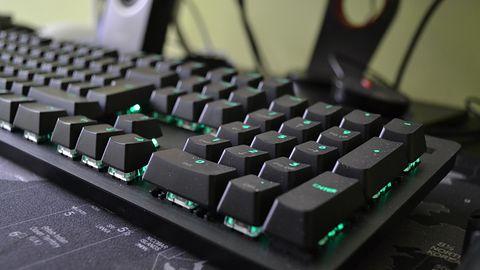 Logitech Carbon G512 — podświetlana klawiatura mechaniczna dla wymagających graczy