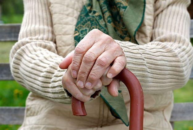 Rozwody po pięćdziesiątce coraz powszechniejsze. Polacy żyją dłużej, ale kochają się krócej