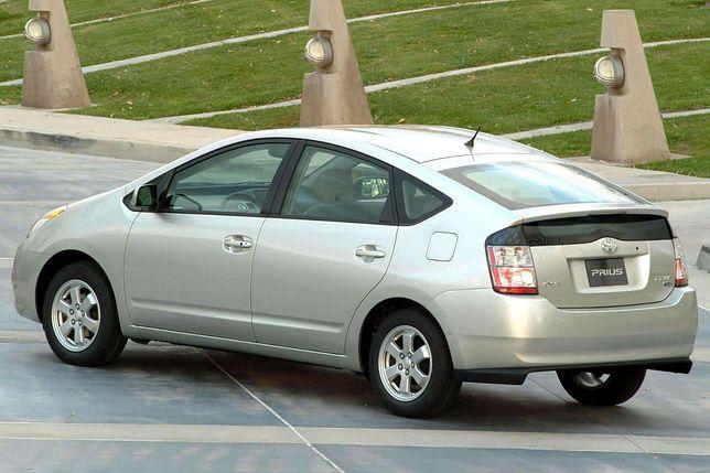 Toyota Prius - samochody kompaktowe do 10 tys. dolarów