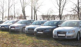 Zatrzymani za importowanie luksusowych aut jako pojazdów pomocy drogowej