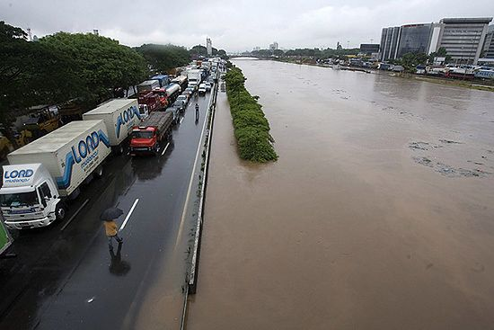 Ulewny deszcz sparaliżował Sao Paulo