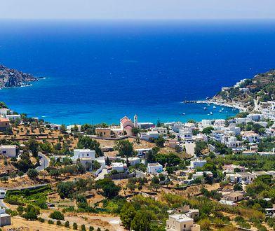 Syros (Siros) to niewielka rajska wysepka w samym centrum Cykladów