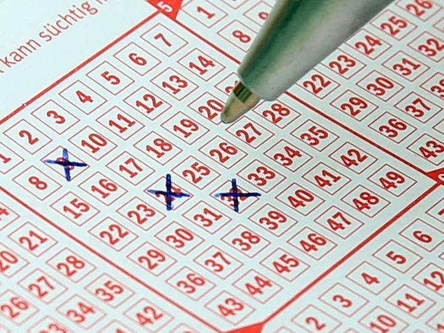 """Bardzo szczęśliwe losowanie Lotto. Wiemy, gdzie padły """"szóstki"""""""