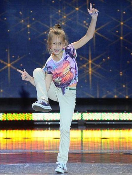 Tylko taniec: Ta 9-latka porywa samego Alana. Naprawdę daje czadu!