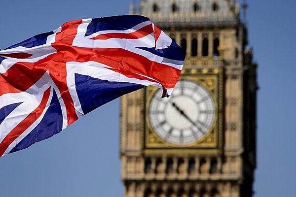 Polacy coraz częściej ubiegają się o brytyjskie obywatelstwo
