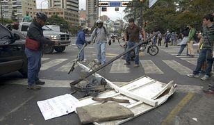 Wenezuela: opozycja stawia barykady na ulicach Caracas