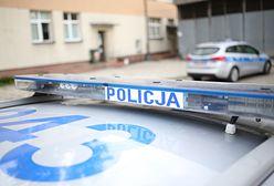 Warszawa. Dusił mężczyznę i zwyzywał kobietę. Prokuratura wznowiła śledztwo