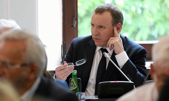 """""""Panie Kurski, nie idź pan tą drogą"""". Szef klubów """"Gazety Polskiej"""" uderza w TVP"""
