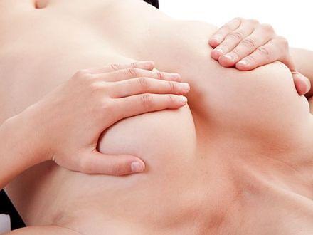 Uciskanie: nowa metoda walki z rakiem piersi!