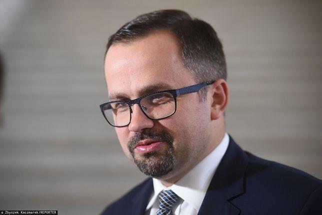 Marcin Horała skomentował akcję CBA dotyczącą NIK i Mariana Banasia oraz zatrzymanie Agenta Tomka