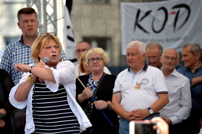 Dorota Stalińska na proteście KOD w Sejmie.