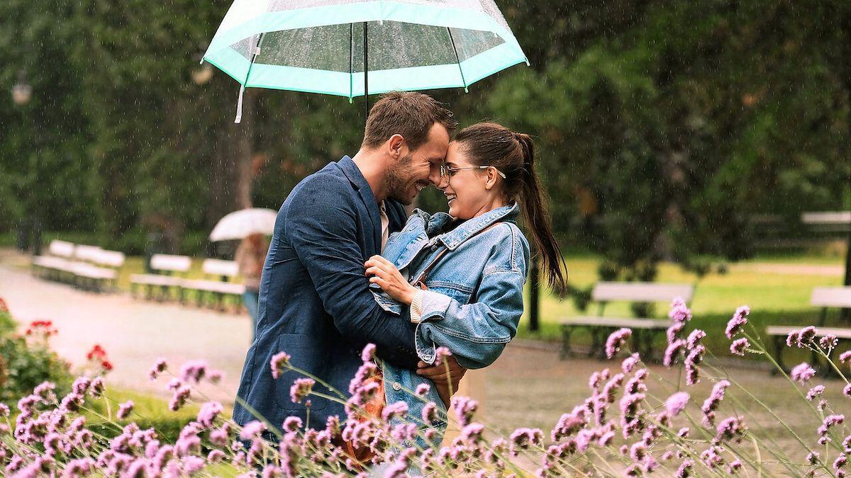 """W """"Miłości do kwadratu"""" mają zagrać Mateusz Banasiuk i Adrianna Chlebicka, Tomasza Karolaka w zwiastunie nie widać"""