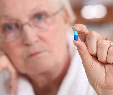 """""""Wie pani, poproszę taką niebieską tabletkę z białym opakowaniem"""" - takie teksty farmaceuci słyszą codziennie"""