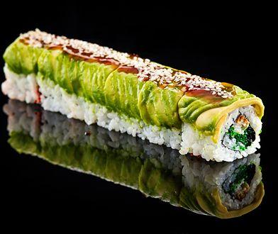Sushi pod ostrzałem. Może zawierać niebezpieczne składniki i mieć więcej kalorii niż Big Mac
