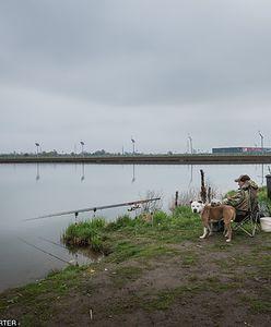 """Wronów. Napił się """"wody"""" w trakcie łowienia ryb. Walczy o życie w szpitalu"""