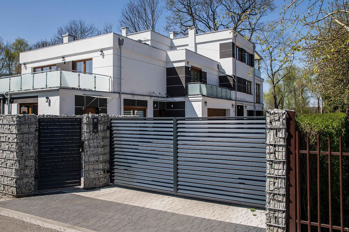 Nowy dom prezydenta Andrzeja Dudy chroniony jest chińskimi kamerami