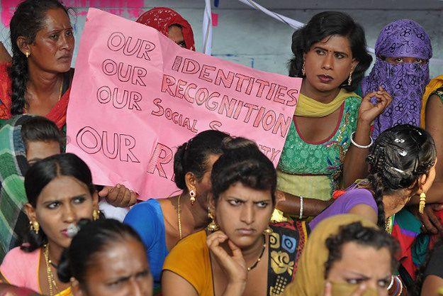 Aktywiści organizacji zrzeszającej transseksualistów domagają się praw dla tej grupy; październik 2014 r.