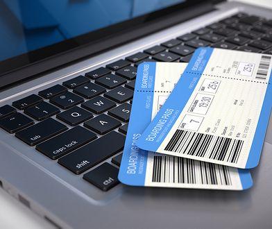 Wymaganie od klientów okazania karty pokładowej jest niesprawiedliwe. Składający reklamację nie mają obowiązku jej okzywania