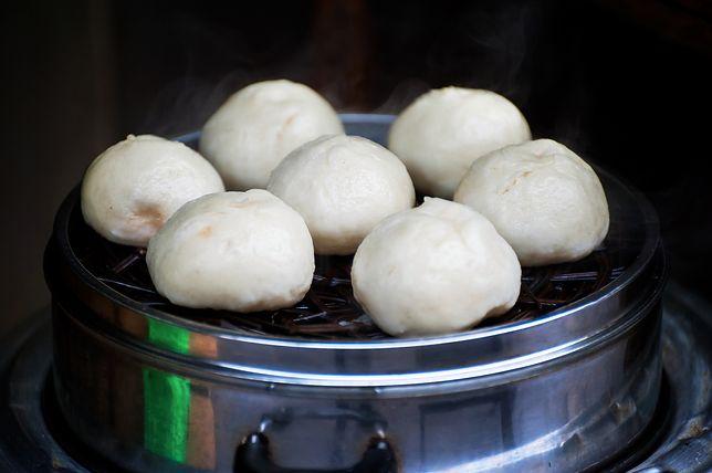 Bułeczki bao gotuje się na parze