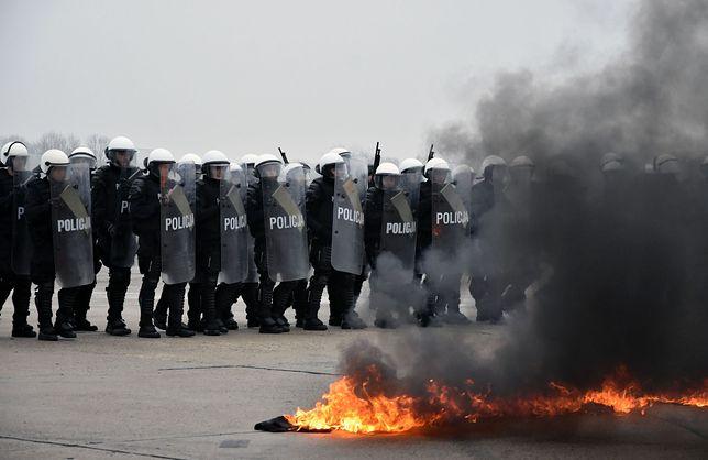 Dziwny przetarg polskiej policji. Kupili broń, zapomnieli o kaburach i ładownicach?