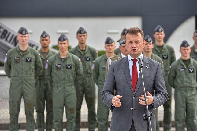 """Mariusz Błaszczak podkreślił, że przyszedł czas na """"nowoczesny sprzęt"""" w wojsku"""