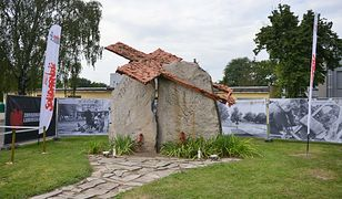 Pomnik w sierpniu ubiegłego roku, podczas uroczystych obchodów 35. rocznicy zbrodni lubińskiej
