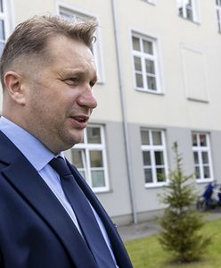 "Atak na biuro Czarnka. Minister edukacji: ""Chamstwo"""