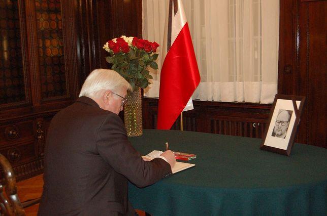 Prezydent Niemiec złożył wpis do księgi kondolencyjnej poświęconej Pawłowi Adamowiczowi