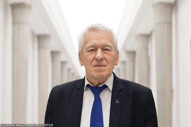 Ojciec premiera Matusza Morawieckiego solidaryzuje się nauczycieli i popiera podwyżki.