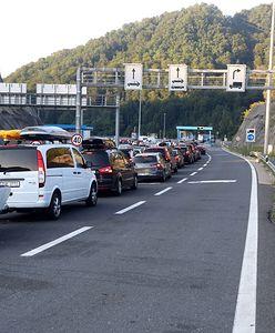 Długie kolejki przed wjazdem do Chorwacji. Trzeba czekać nawet sześć godzin
