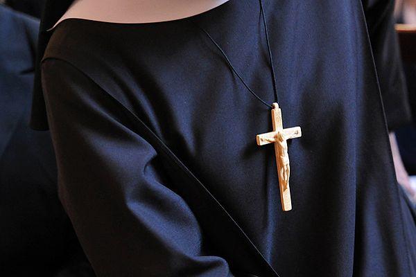 Biskup miał zgwałcić zakonnicę 13 razy.